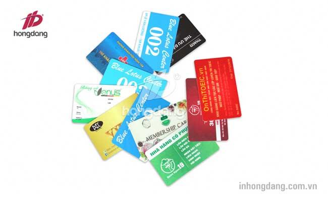 in thẻ nhựa